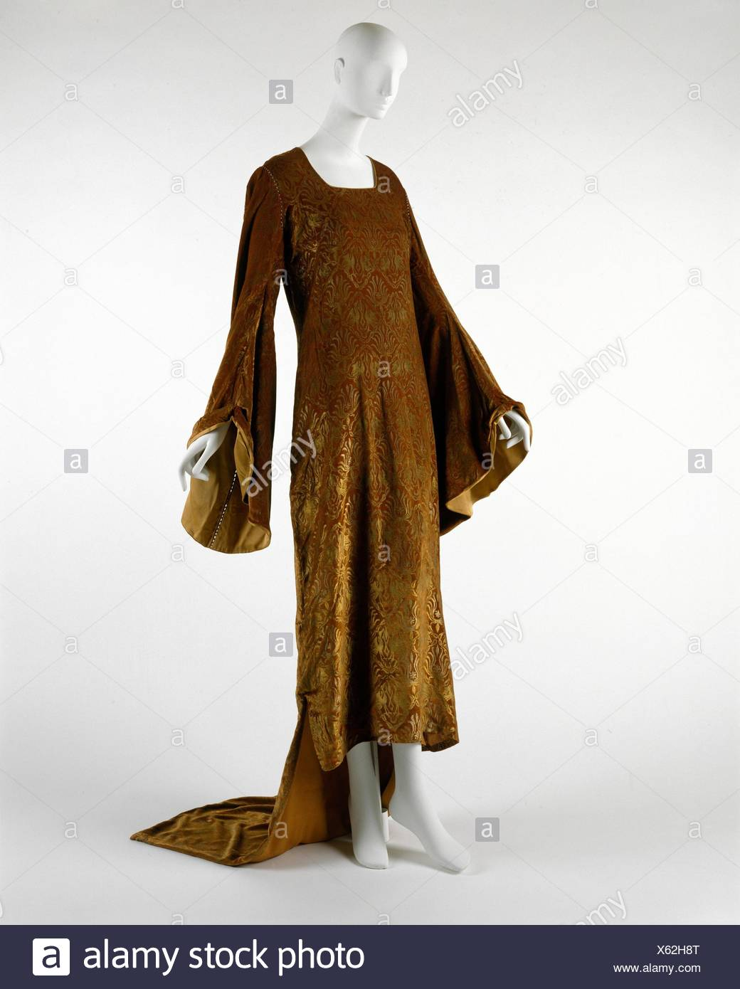 Evening Dress Designer Maria Gallenga Italian Rome 1880 1944 Umbria Date Early 20th Century Culture Italian Medium Silk Glass Credit Stock Photo Alamy