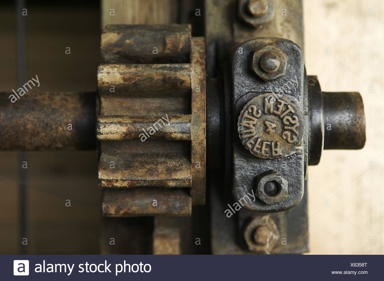 Mill, detail, gearwheel, screwing, nuts, crankshaft, wave, alto, - Stock Image