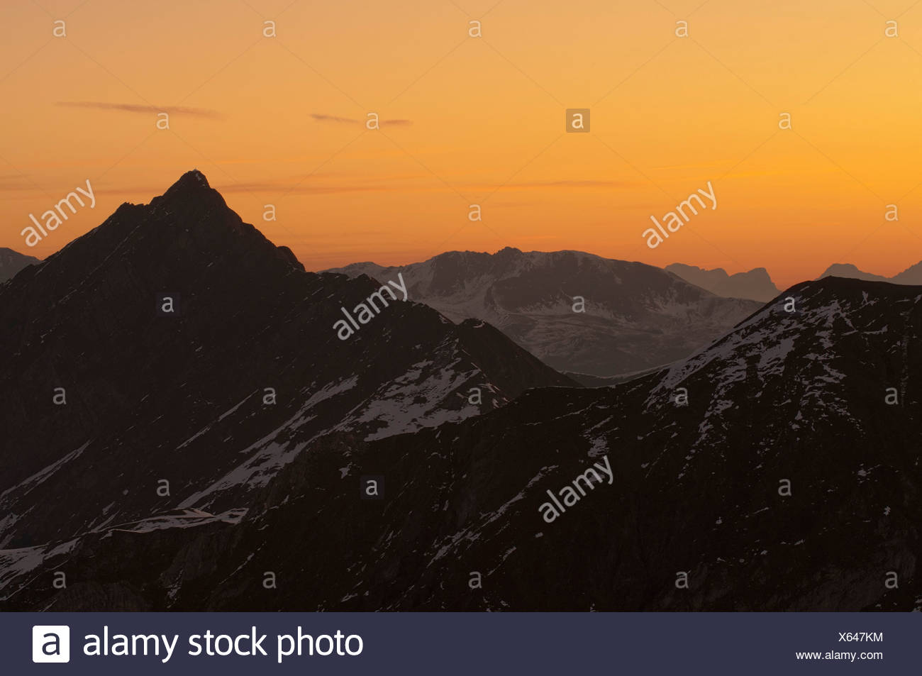 Hornspitze Mountain on the right, Tux Alps at the rear, seen from Spannagel Hut, Tyrol, Austria, Europe - Stock Image