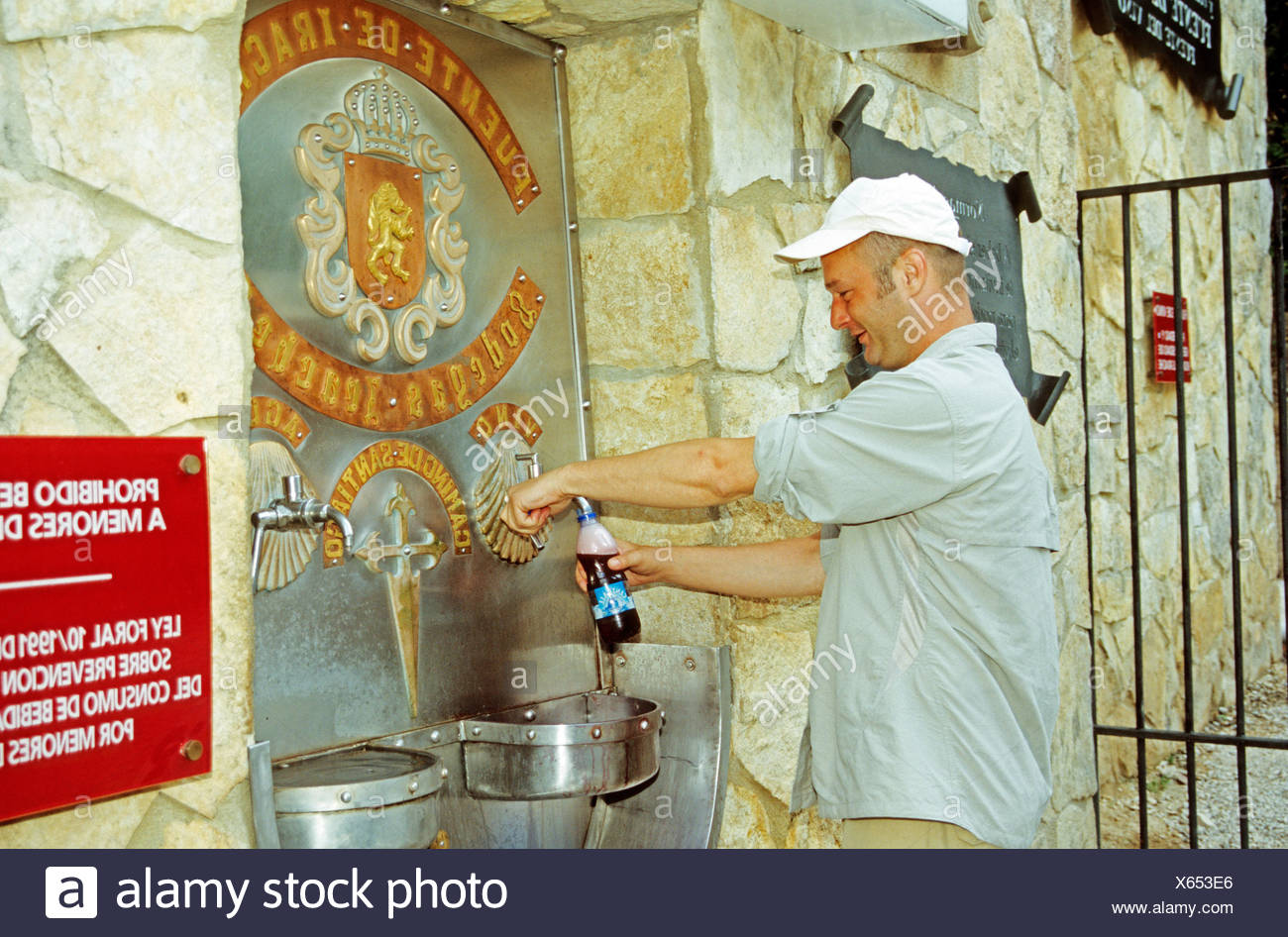Water and wine free of charge for the pilgrims spain - Stock Image
