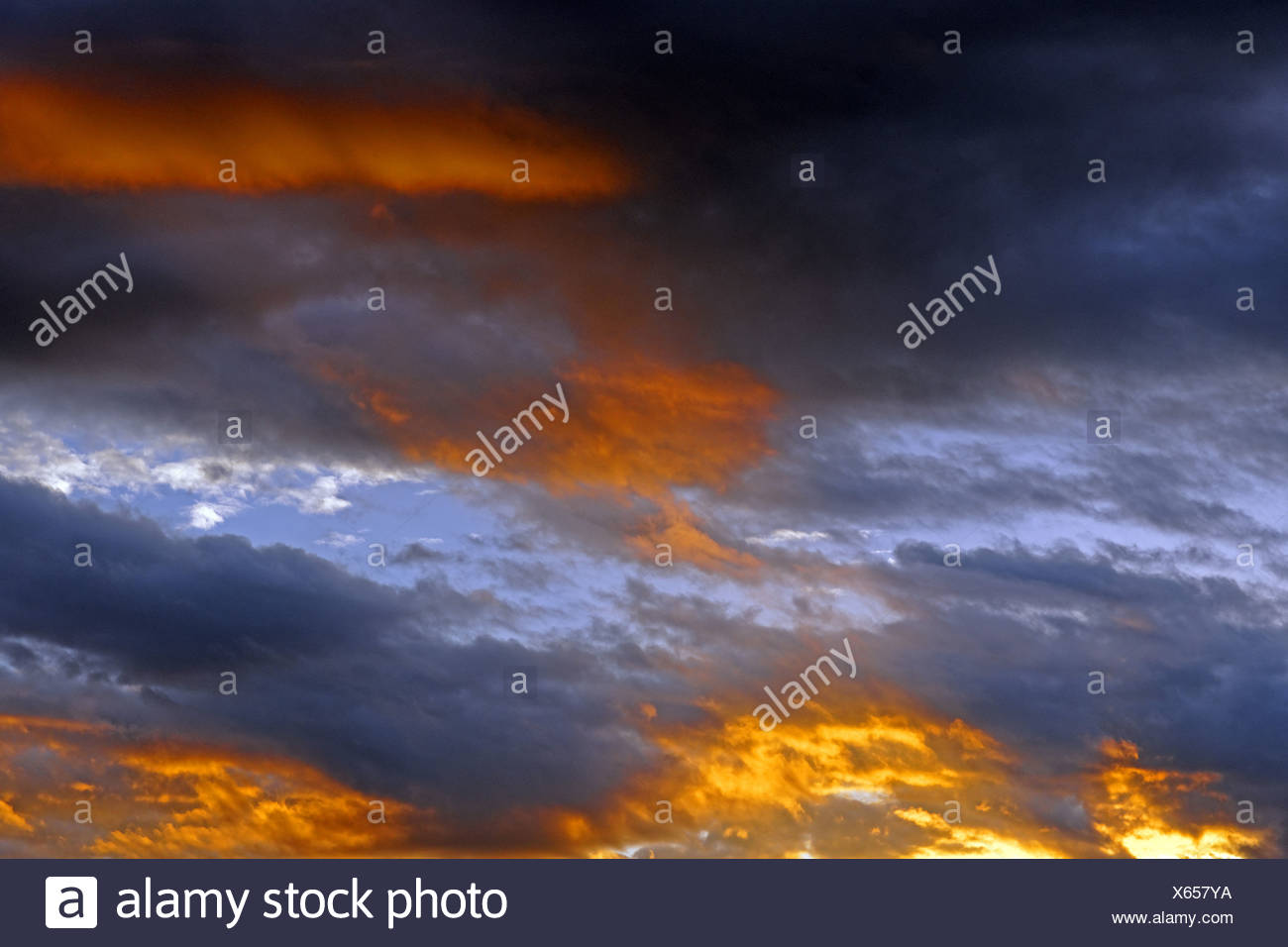 Europe, France, FR, Auvergne, Vichy, evening sky, sky, heaven, mood, clouds, - Stock Image