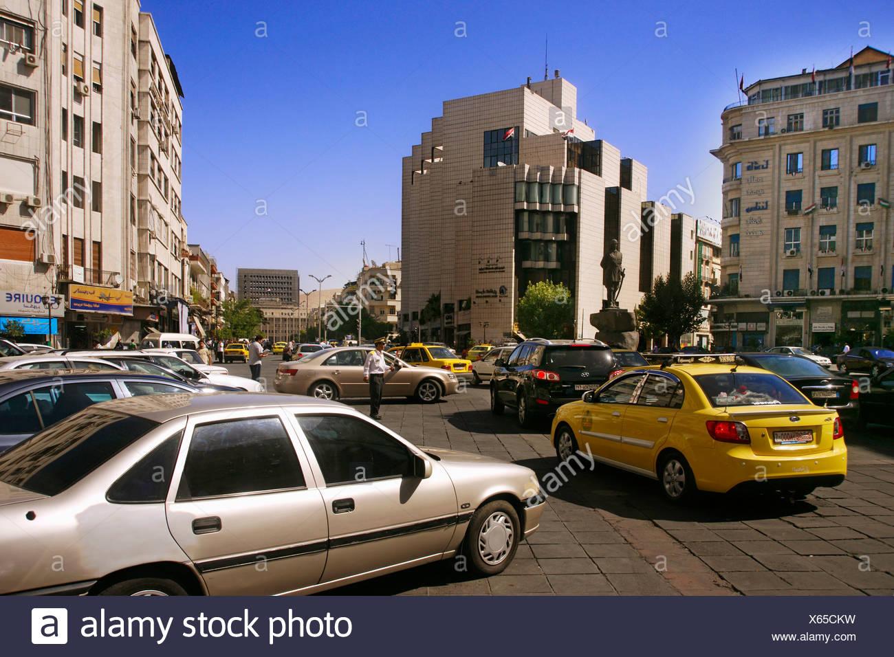 Yusuf al-Azma Square in the fashionable area of Salihiyé, Damascus, Syria - Stock Image