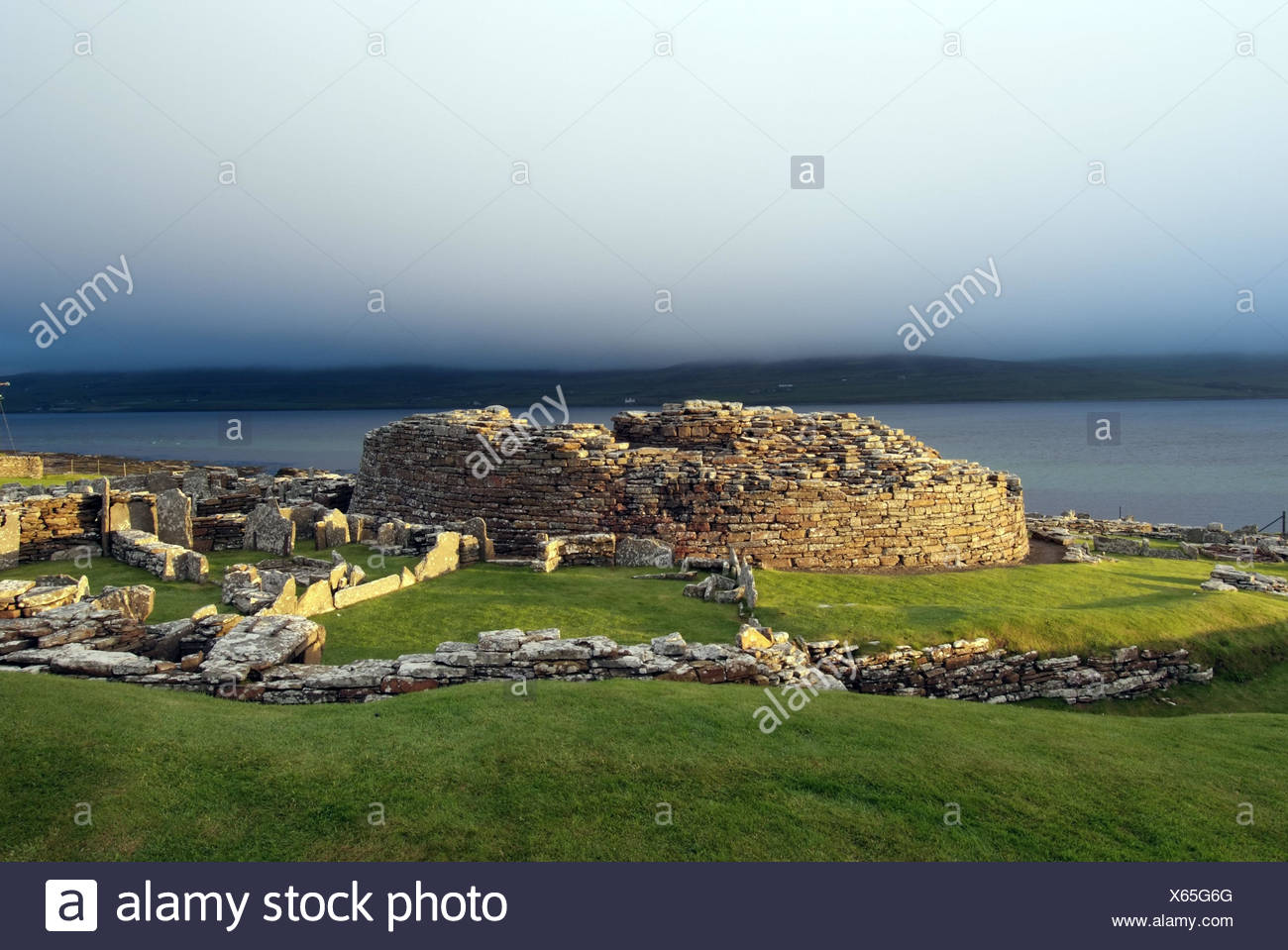 Great Britain, Scotland, Orkneyinseln, island Main country, Broch Gurness, stone circle, ruin, prehistorically, settlement, Orkney, scenery, hill, stone, historically, Pikten, peninsula, Aikerness, place of interest, culture, megalithic culture, remains, outside, deserted, view, - Stock Image