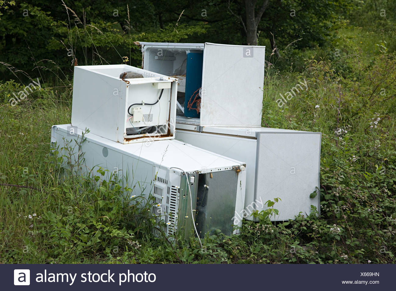 Discarded refridgerator - Stock Image