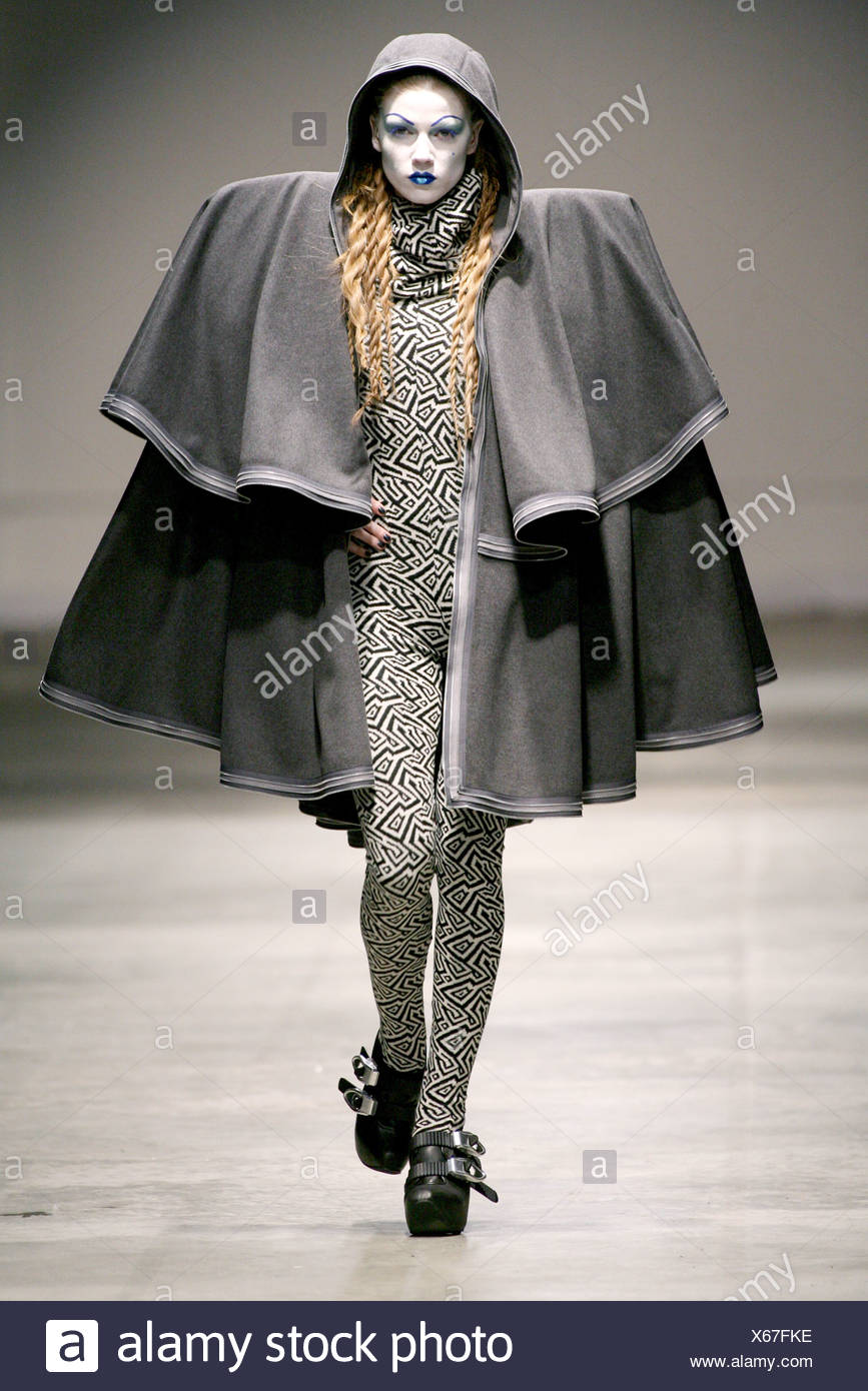 0e6533434c Gareth Pugh London Ready to Wear Autumn Winter Black and white patterned  jumpsuit