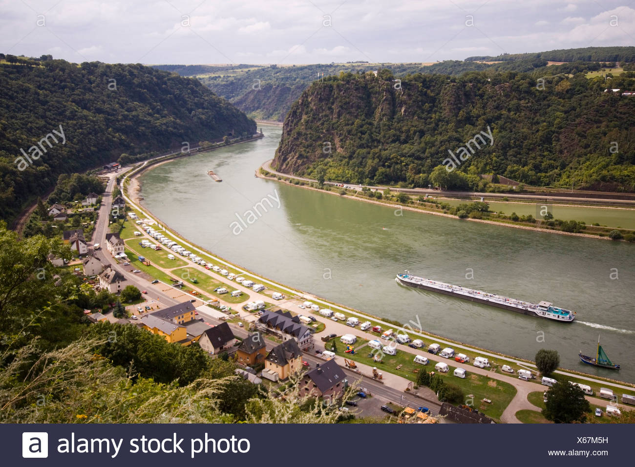 Germany, Rhine Valley, Loreley, barge on River Rhine - Stock Image