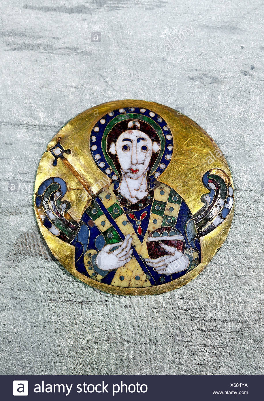 fine arts, religious art, angels, medaillon depicting an angel, byzantine art, gold, 6th /7th century AD, Bayerisches Nationalmuseum, Munich, Artist's Copyright has not to be cleared Stock Photo