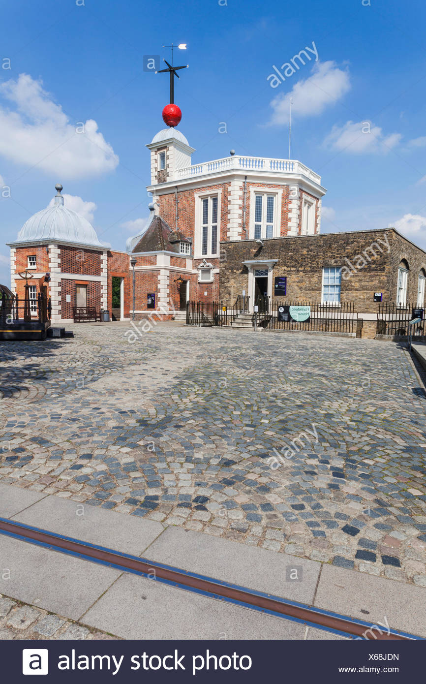 Line House Located In London: Gmt Meridian Line Stock Photos & Gmt Meridian Line Stock