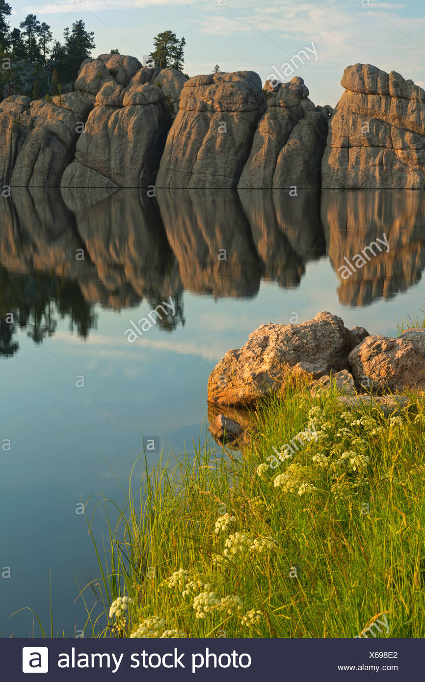 USA, United States, America, Sylvan Lake, cliffs, water, Black Hills, lake, sunrise, steep, forest, morning, still, serene, SD, - Stock Image