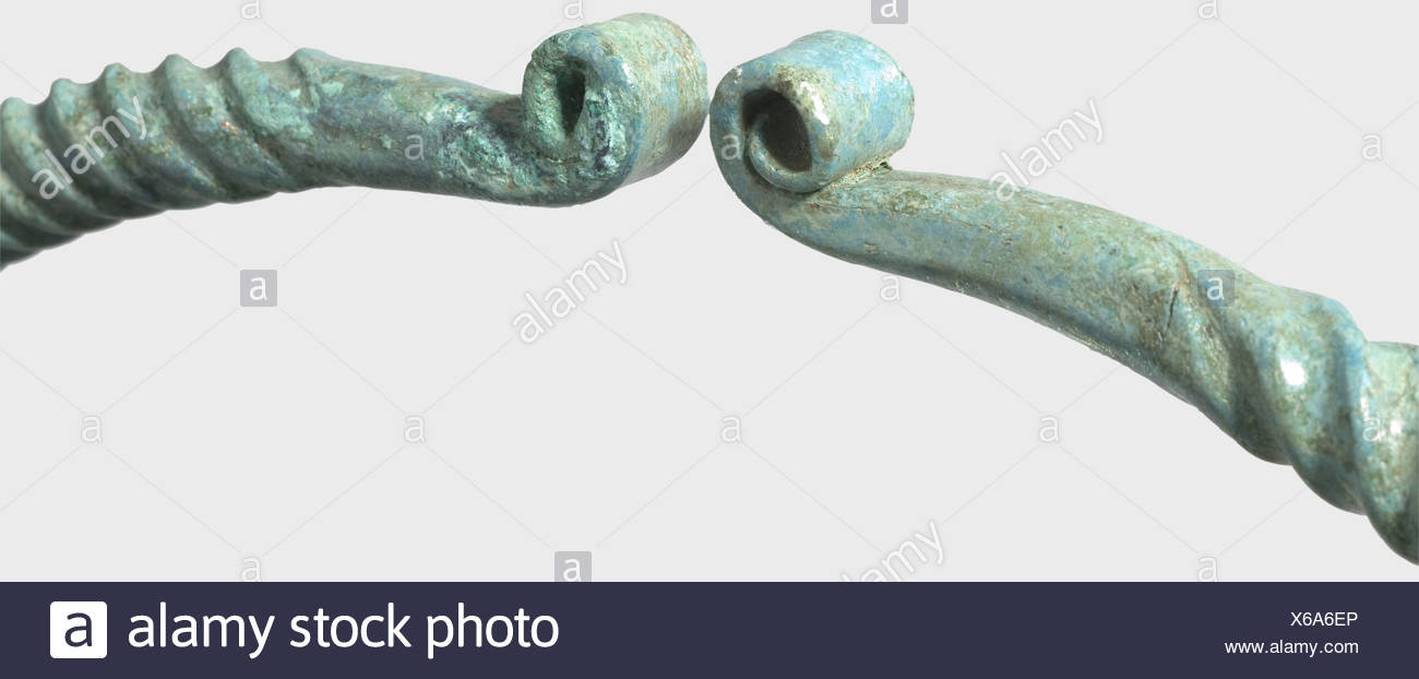 A large Celtic torque, Central Europe, 2nd/1st century B.C. Bronze with a fine emerald green patina. Finely twisted neck ring. The conical finials end in rolled spirals. Cleaned excavation discovery. Diameter 21 cm. historic, historical, ancient world, Celt, Celts, Middle Ages, object, objects, stills, clipping, clippings, cut out, cut-out, cut-outs, bronze, metal, patina, jewellery, jewelry, noble, precious, Additional-Rights-Clearences-NA - Stock Image