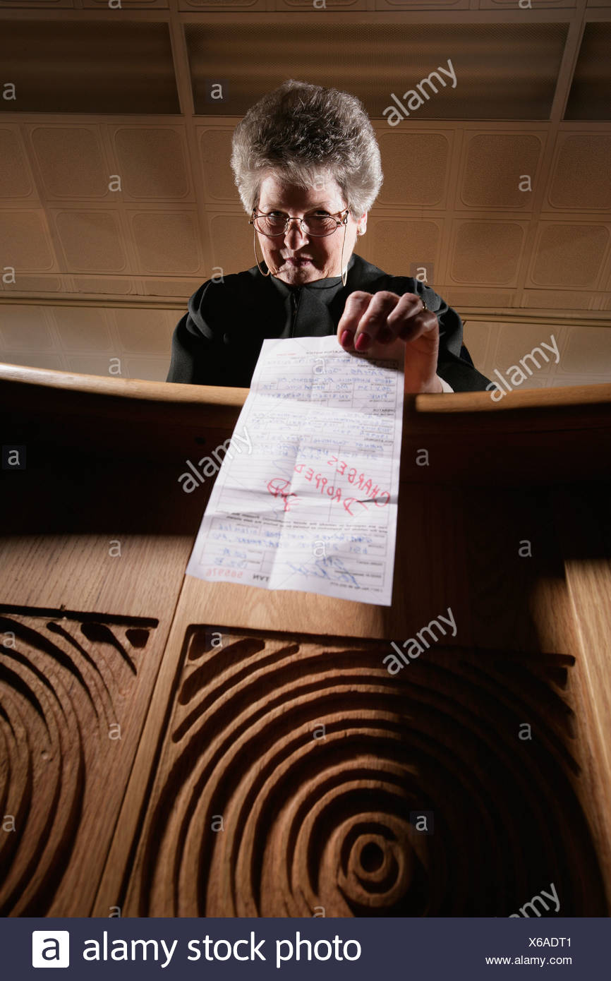 Judge dropping charges - Stock Image
