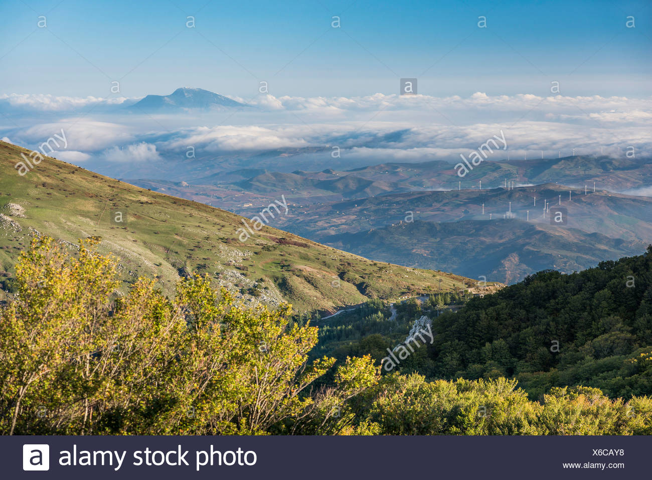 Parco delle Madonie, Madonie Regional Natural Park, in the autumn, with wafts of mist in the morning, near Petralia Sottana - Stock Image