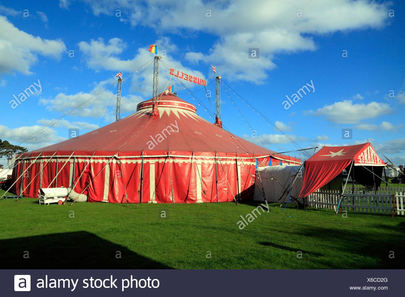 Russells International Circus, UK travelling circus shows, Big Top tent, Norfolk, England - Stock Image