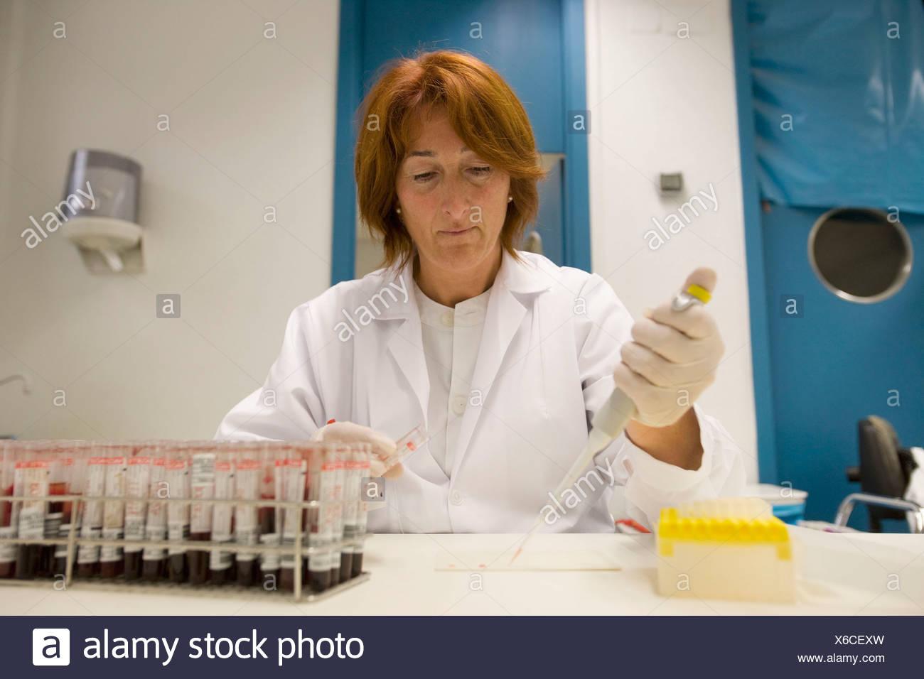 Rose Bengal test, Laboratory of Diagnosis, Departamento de Producción y Sanidad Animal, Neiker Tecnalia, Instituto de - Stock Image