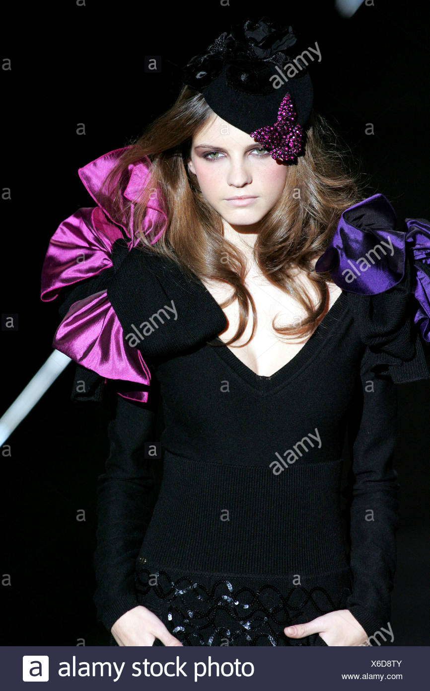 Eighties style shoulder corsage and hat - Stock Image