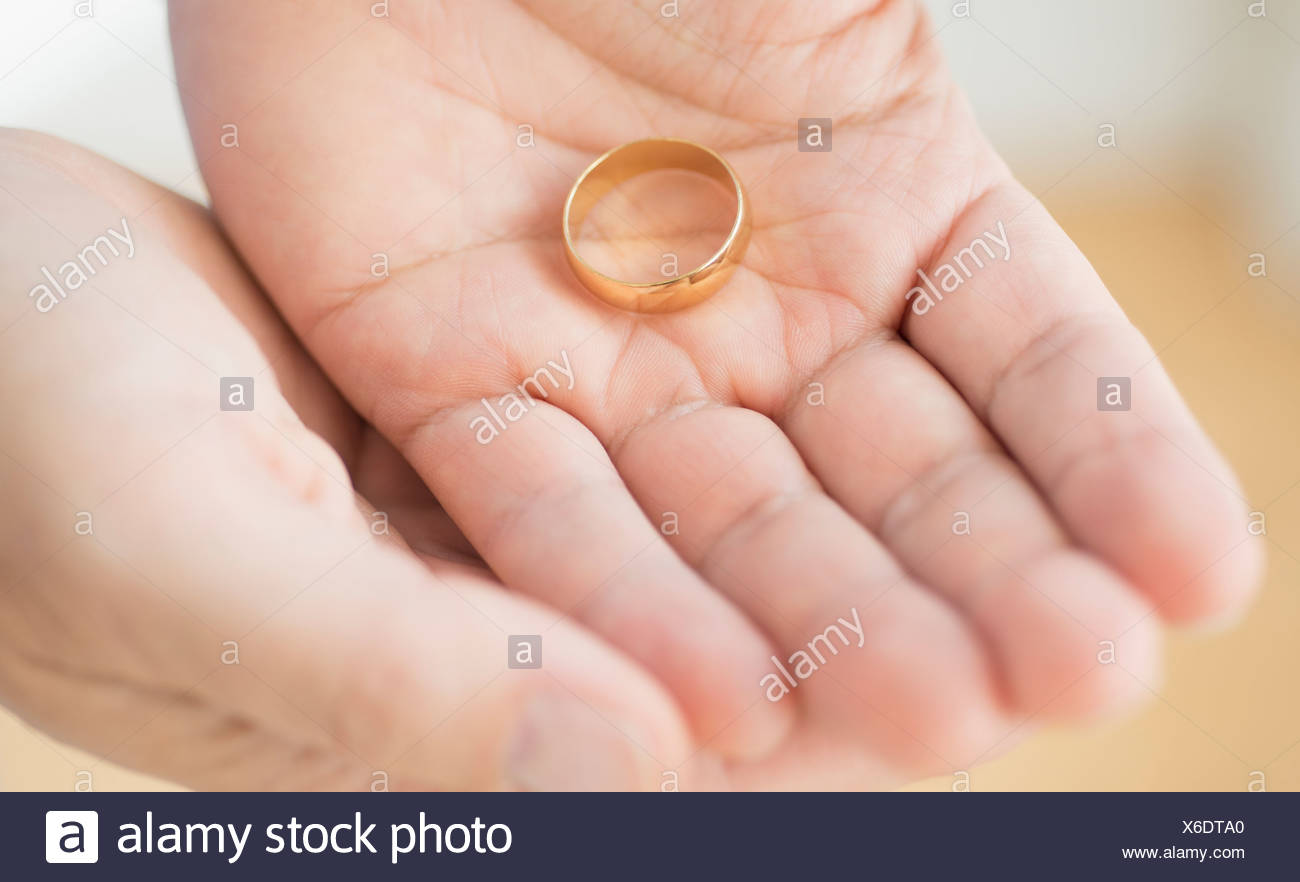 Wedding Ring Divorce Stock Photos & Wedding Ring Divorce Stock ...