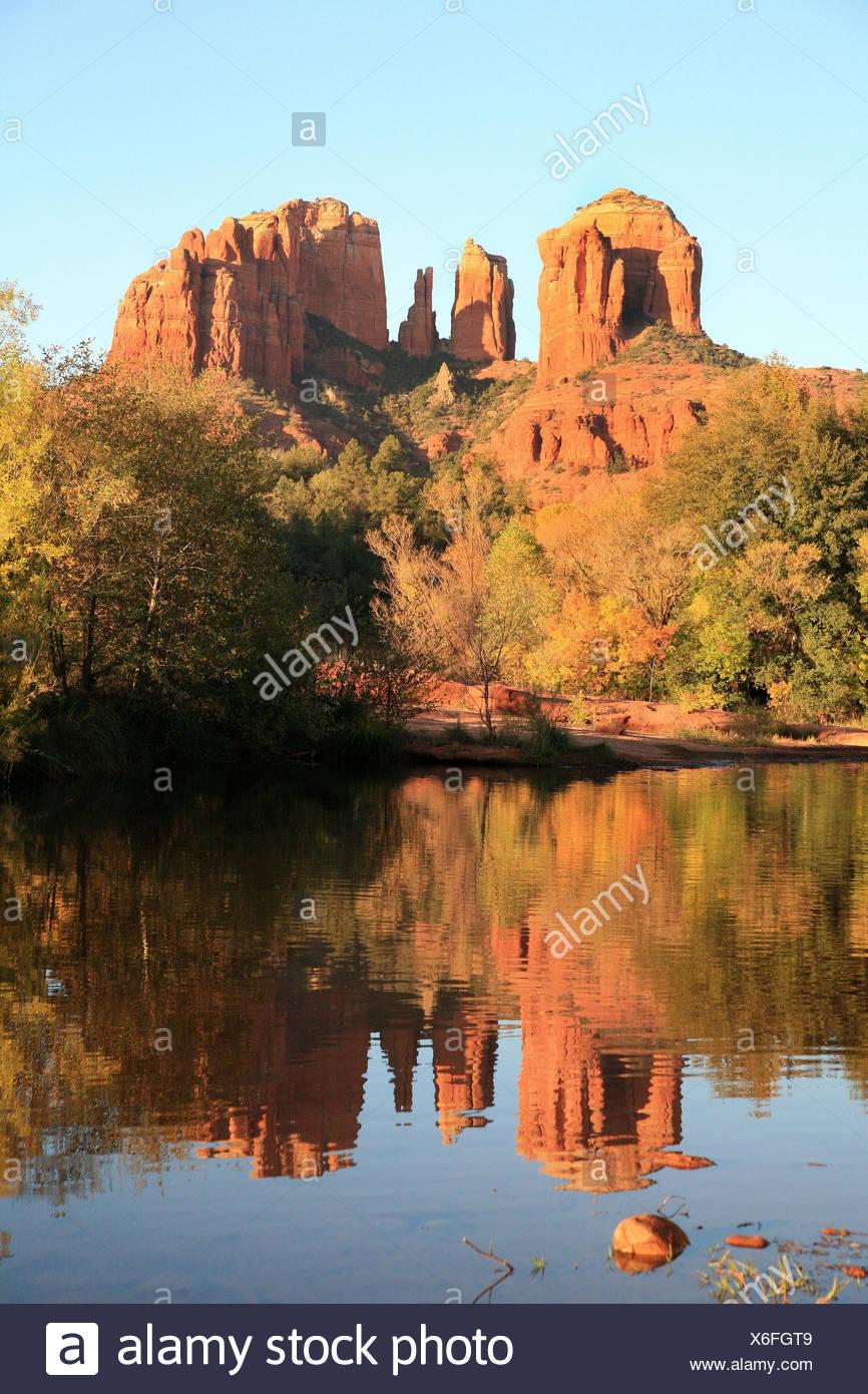 Autumn at the Oak Creek looking to Cathedral Rock in Sedona, Arizona, USA - Stock Image