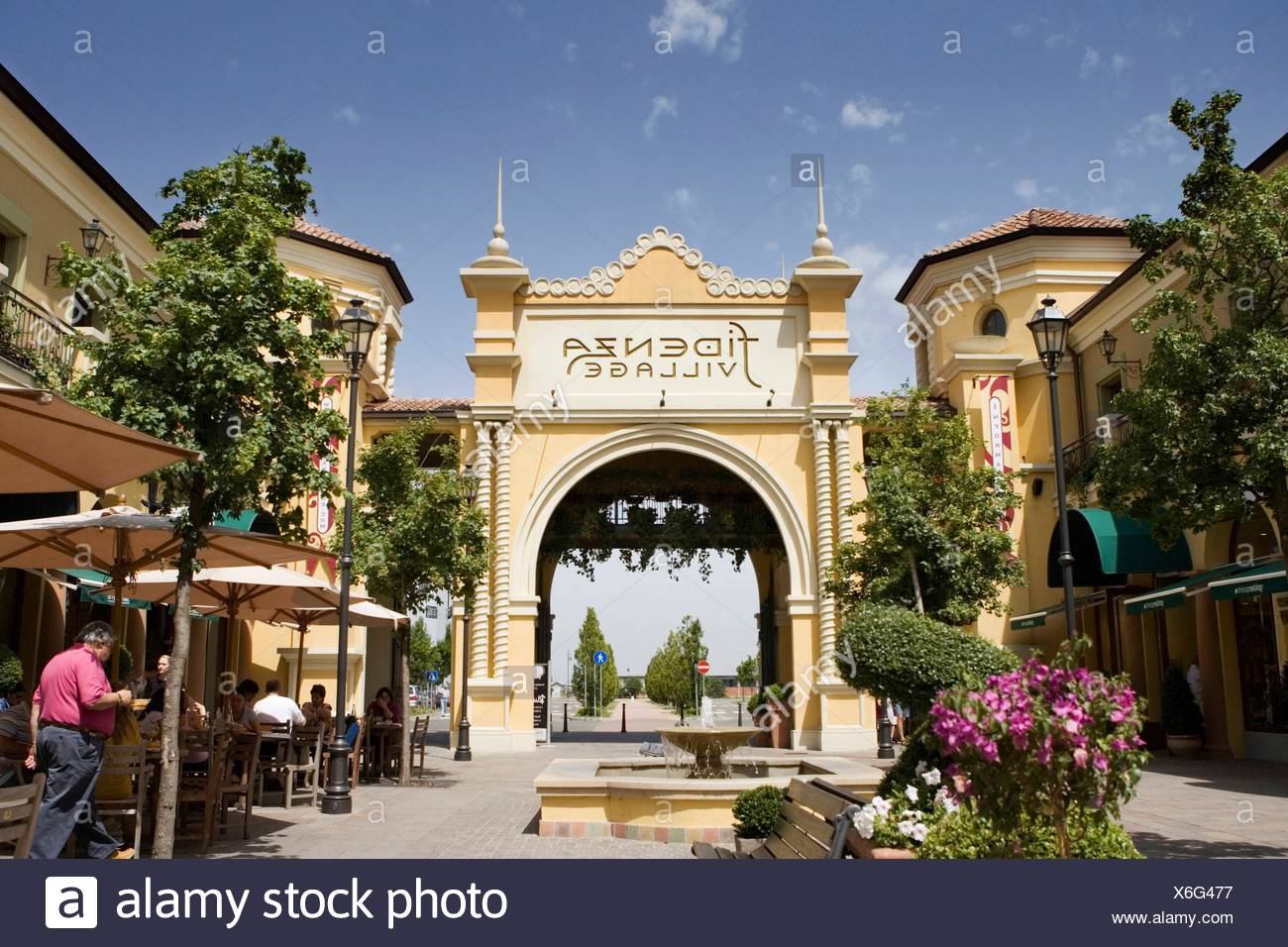 Italy The Mall Outlet Stock Photos & Italy The Mall Outlet Stock ...