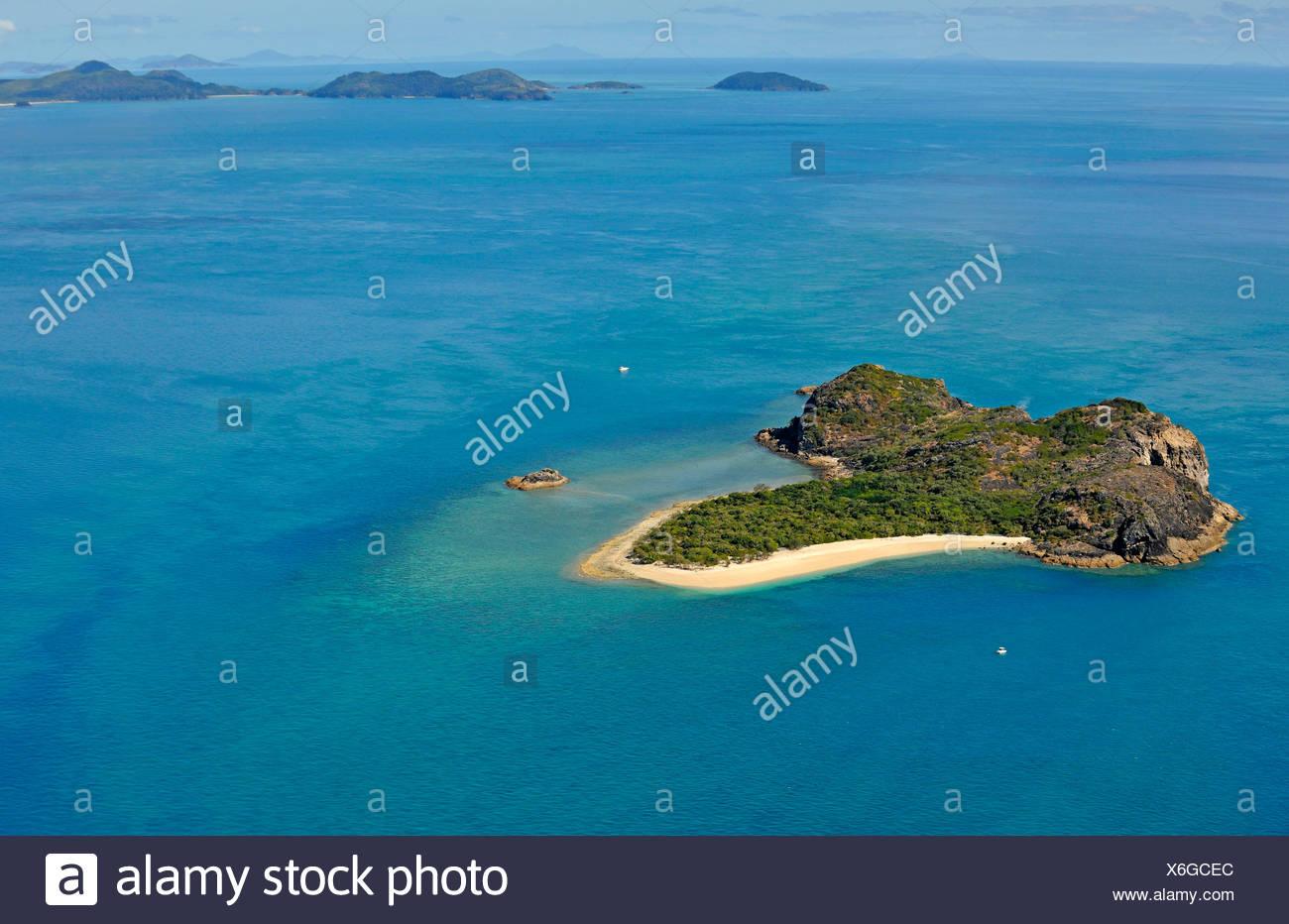 how to go from hamilton island to whitsunday island