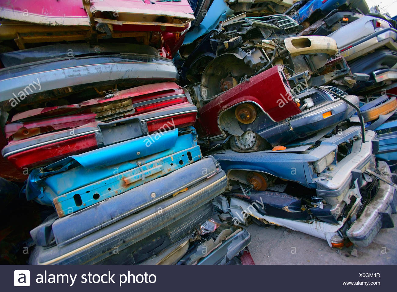 Cars Scrap Yard Stock Photos & Cars Scrap Yard Stock Images - Alamy