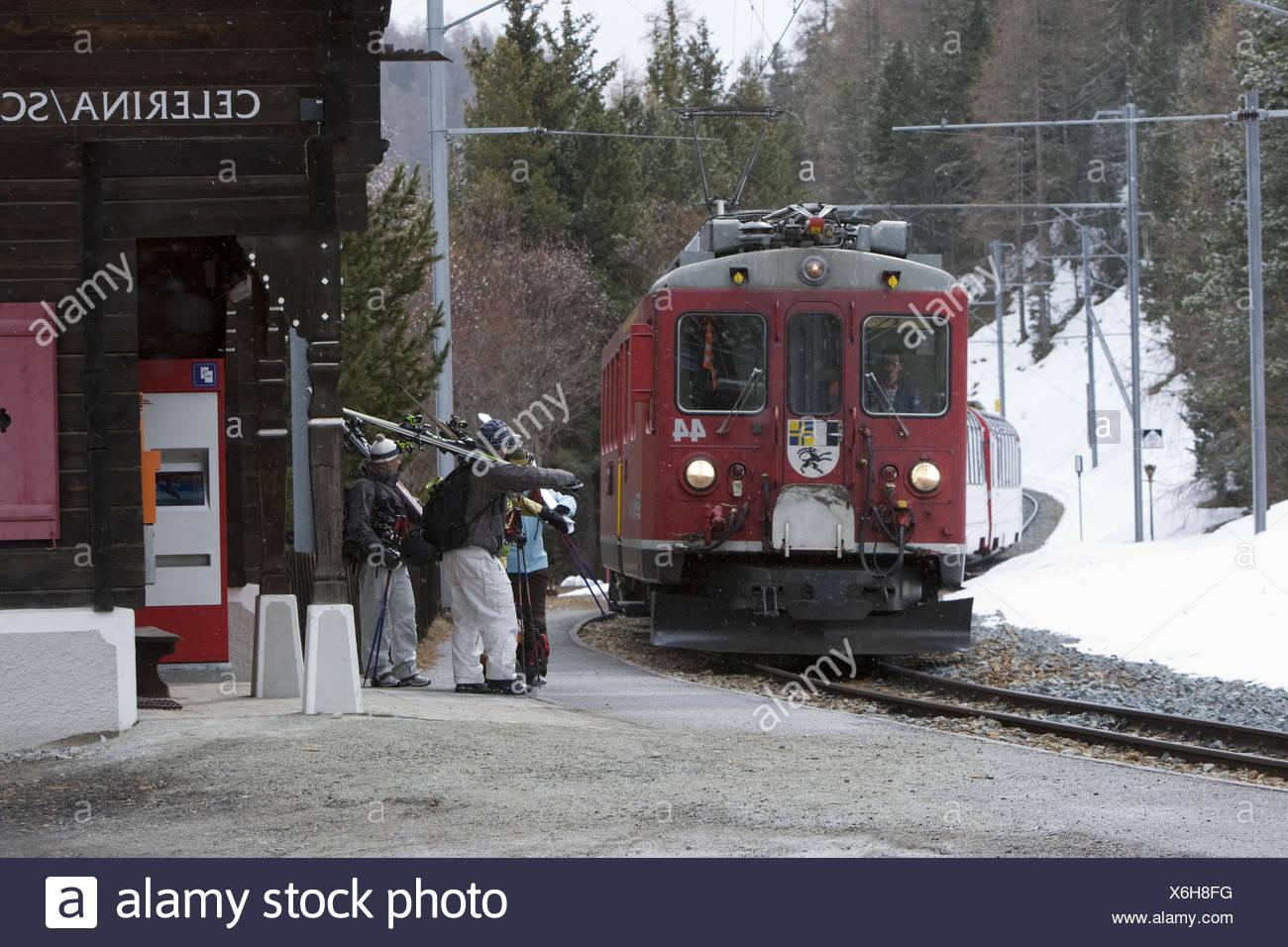 Switzerland, the Engadine, Celerina, railway station, skier, model released, - Stock Image