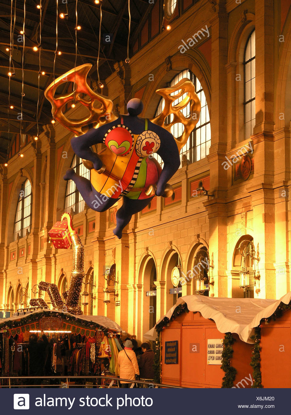 Niki de Saint-Phalle angel guardian angel Christmas fair market Christmas HB central station railway station - Stock Image