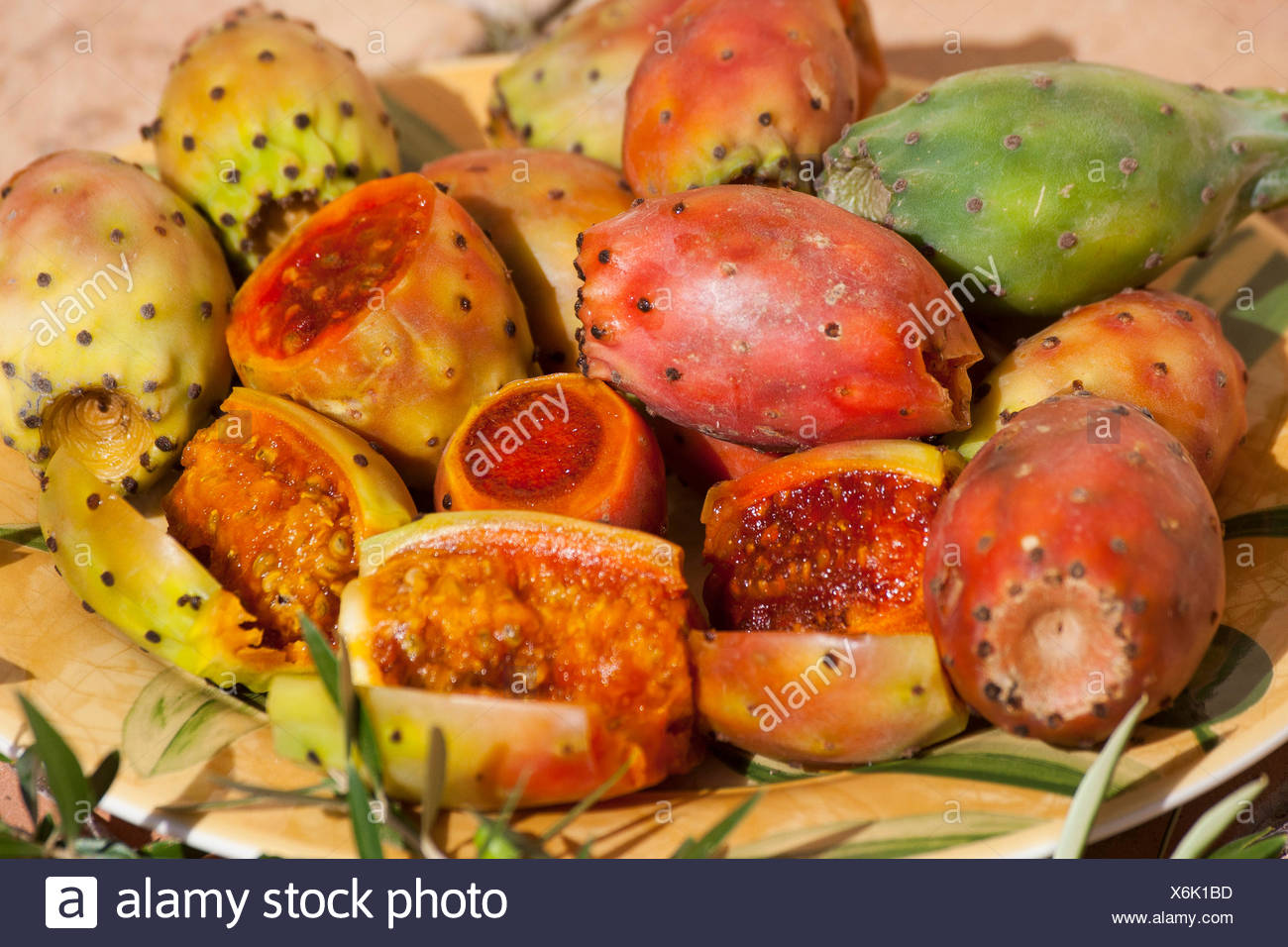 Indian fig, cactus pear (Opuntia ficus-indica, Opuntia ficus-barbarica), fresh fruits in a bowl, France, Corsica - Stock Image