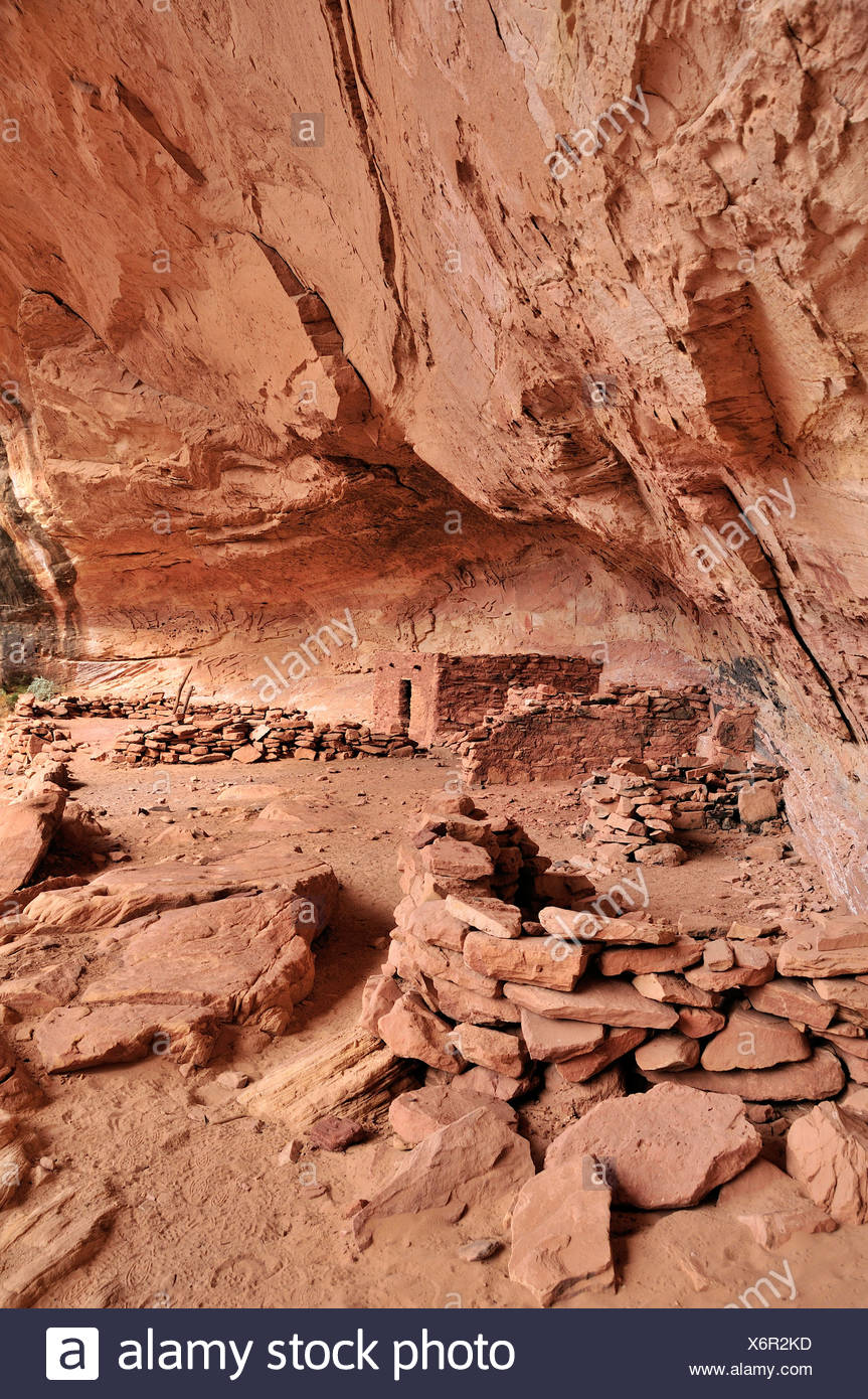 Anasazi, Cliff dwellings, Perfect Kiva, ruin, Bullet Canyon, Grand Gulch Primitive Area, Cedar Mesa, Colorado Plateau, Utah, USA - Stock Image