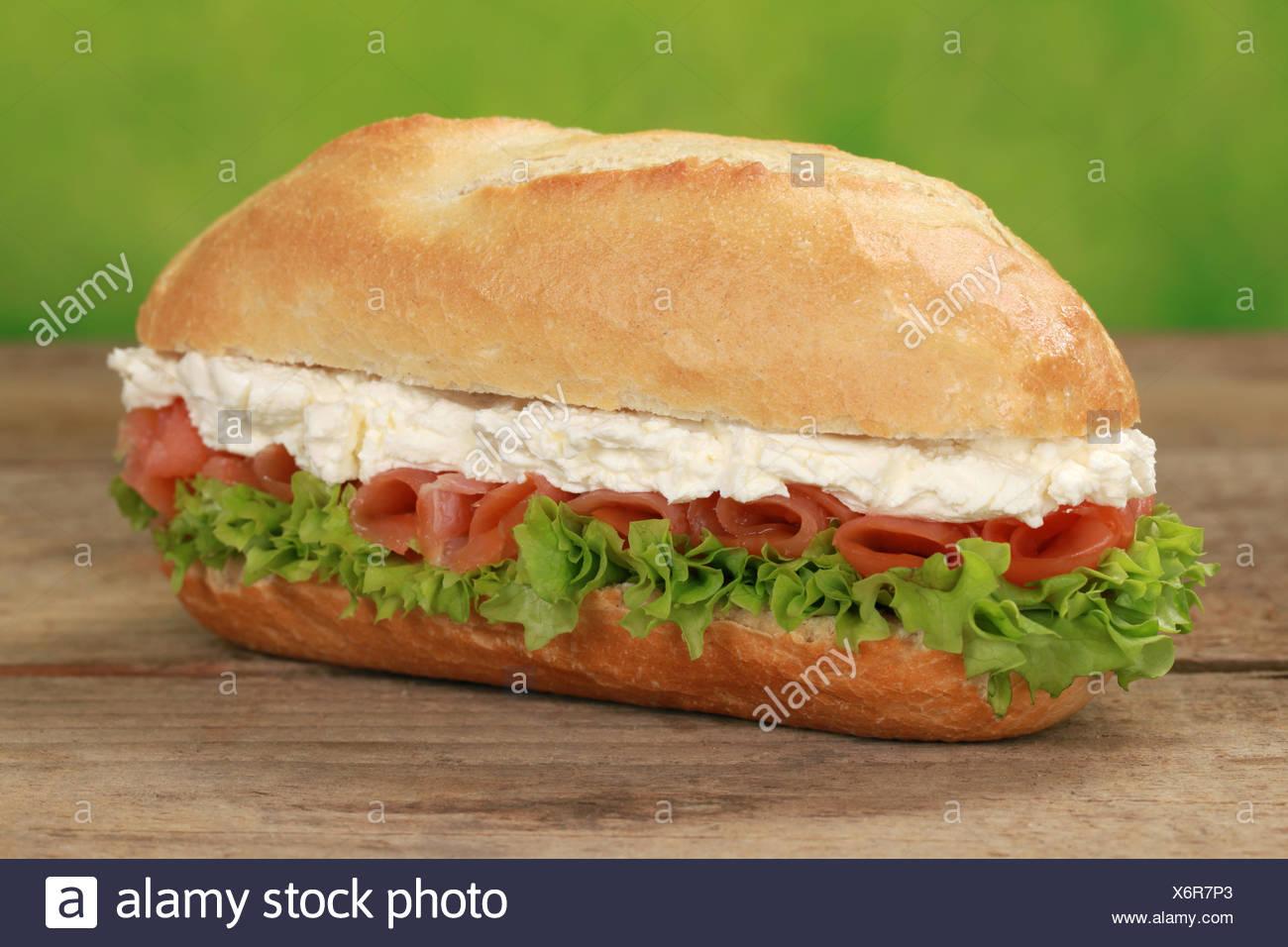 Sub Sandwich mit Lachs - Stock Image