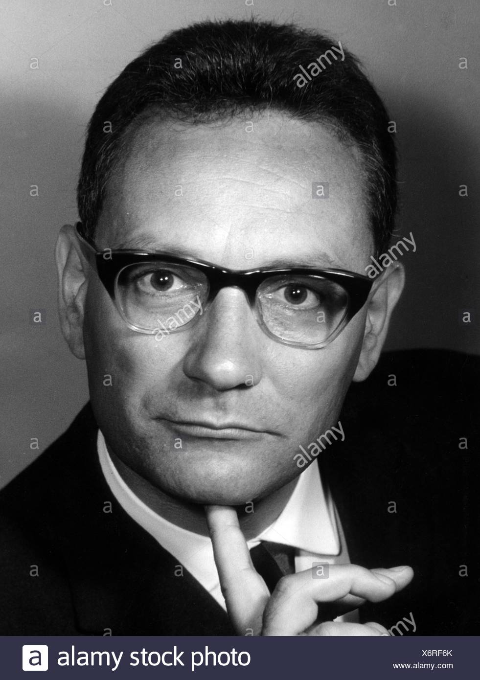 Fischer-Fabian, Siegfried, 22.9.1922 - 16.11.2011, German journalist and author / writer, portrait, 1960s, Additional-Rights-Clearances-NA - Stock Image