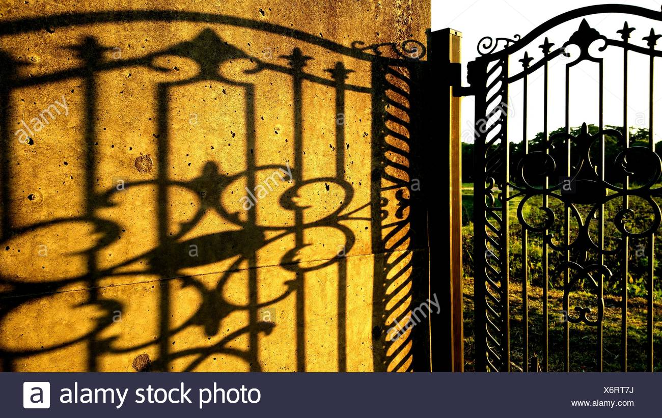Luxury Iron Gate Wall Art Elaboration - Wall Art Collections ...