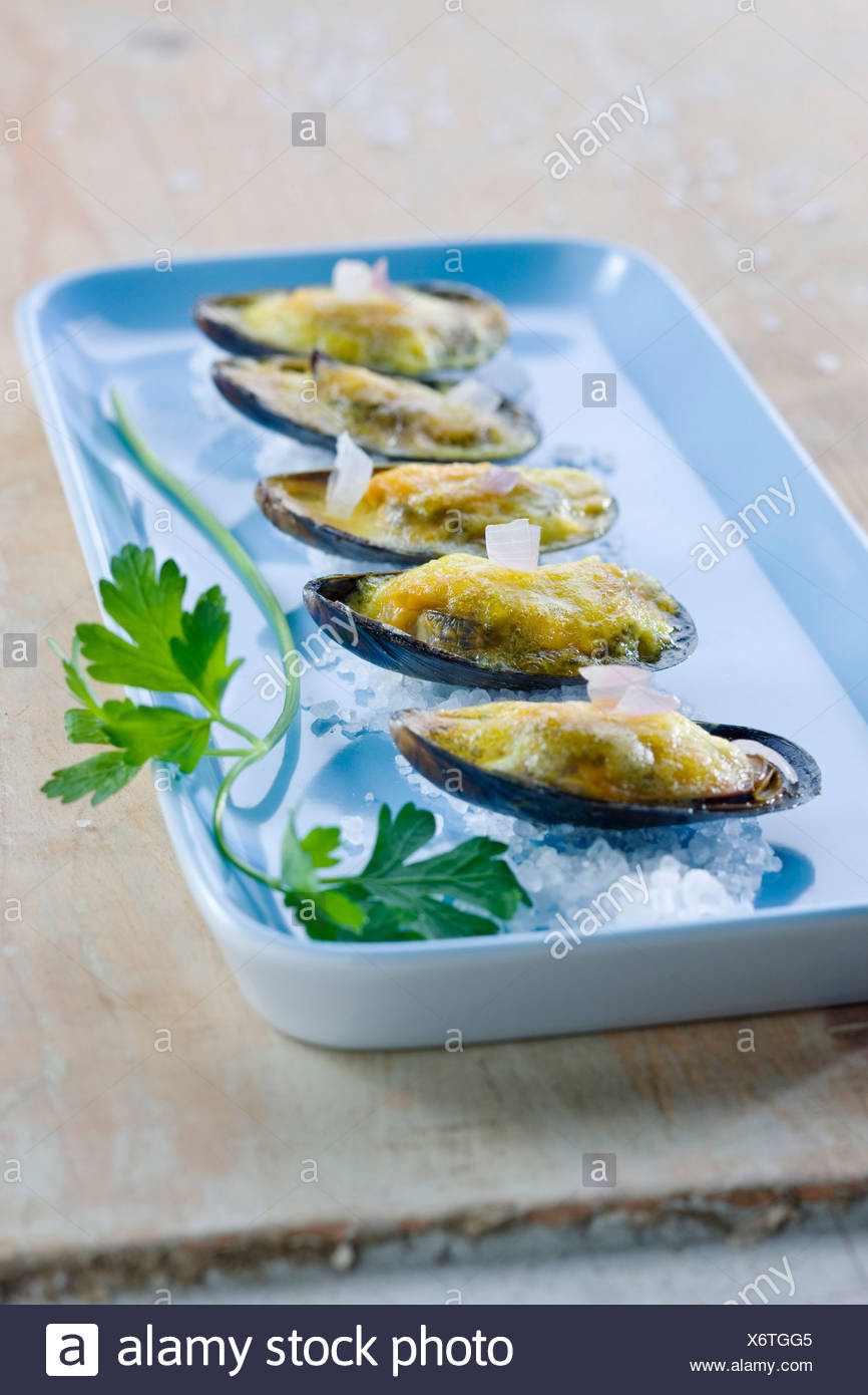 Mussels au gratin - Stock Image