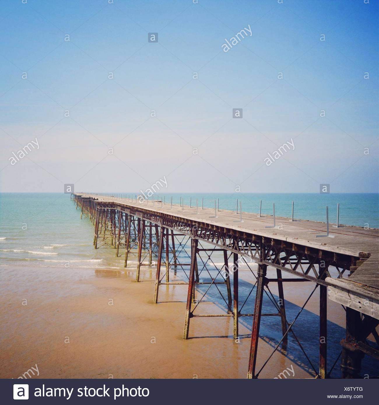 Empty wooden pier - Stock Image