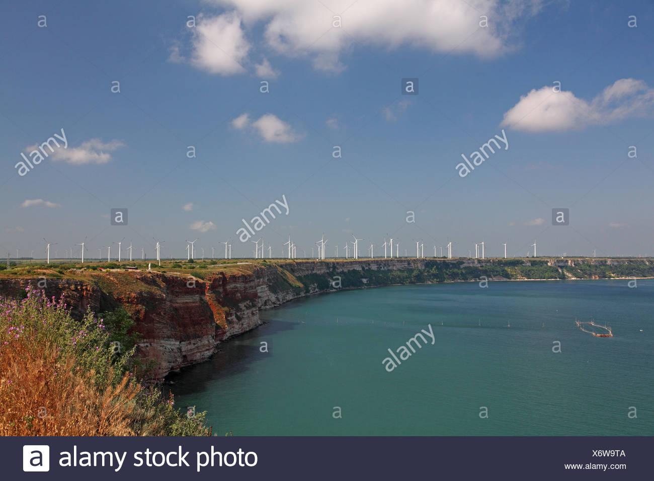 wind power stations near the cliff line, Bulgaria, Kap Kaliakra - Stock Image