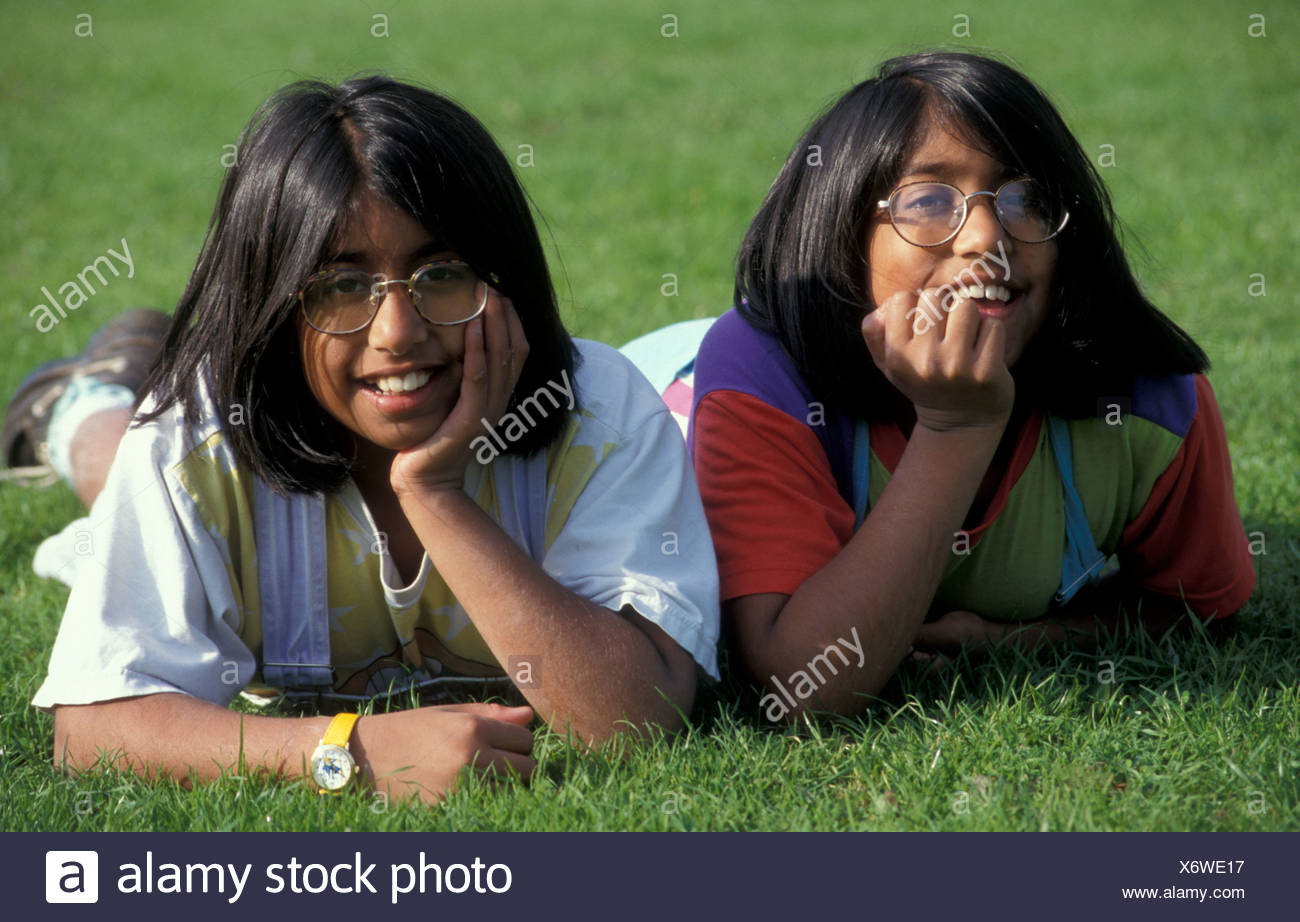 young twin Indian girls - Stock Image