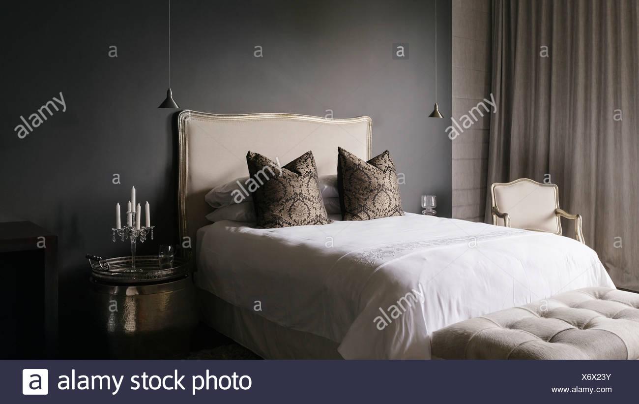 Elegant bedroom - Stock Image