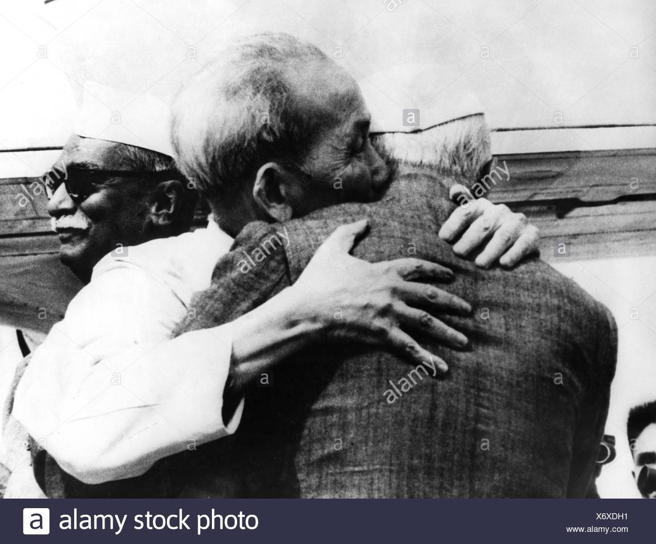 Ho Chi Minh, 15.5.1890 - 3.9. 1969, Vietnamese politician, President of North Vietnam 1955 - 1969, half length, receiption by Ministerpresident Nehru and President Prasad, during state visit in India, New Delhi, 15.2.1958, Additional-Rights-Clearances-NA - Stock Image