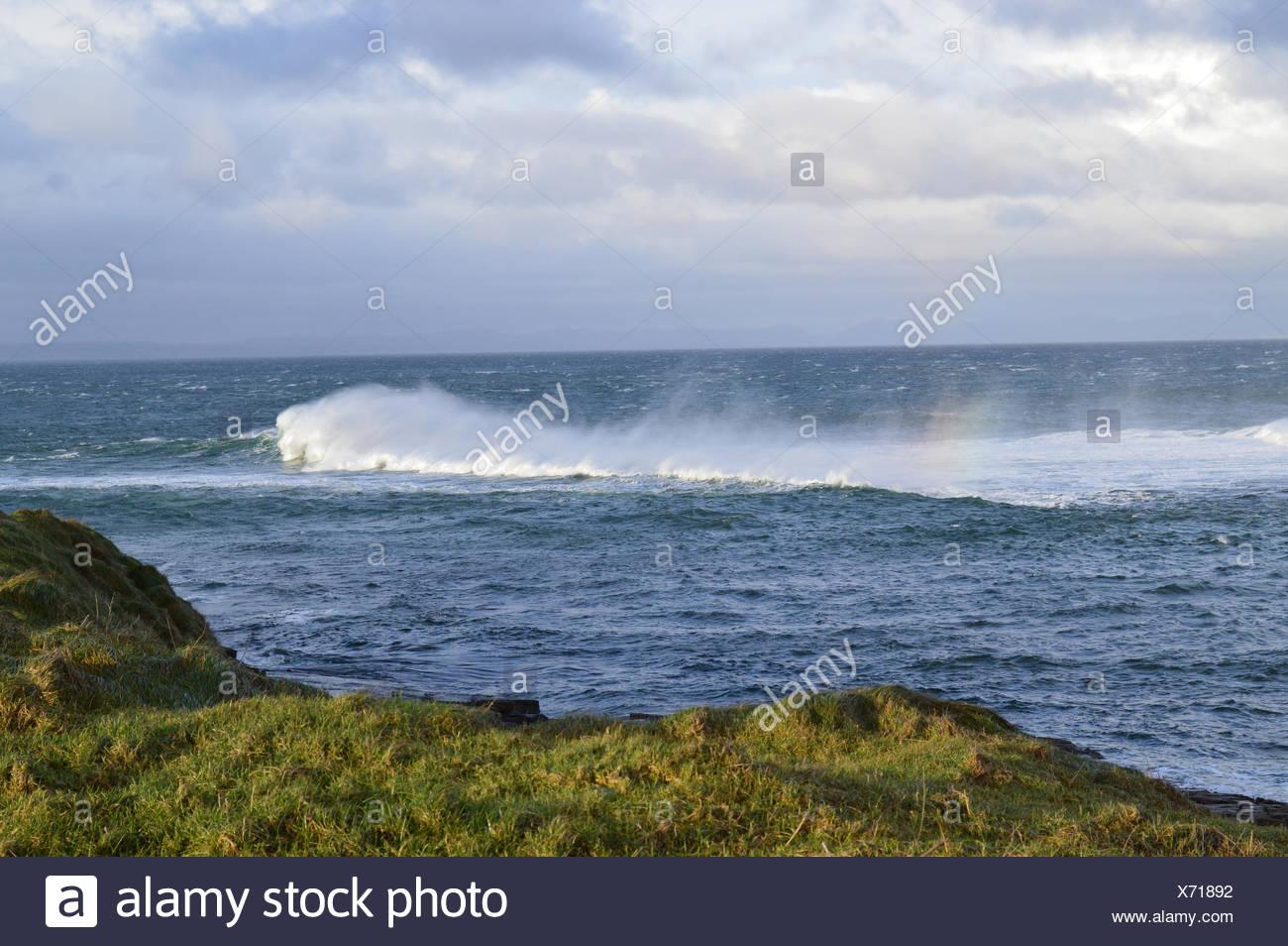 Ireland, Connacht, County Sligo, Mullaghmore, Waves breaking on Atlantic coast - Stock Image