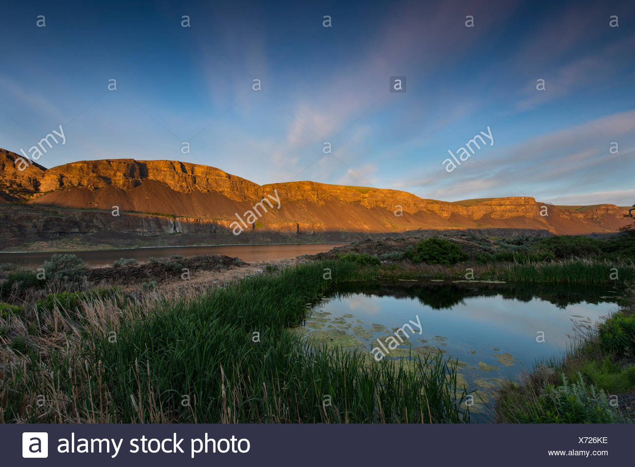 Sunrise at Lower Grand Coulee in Sun Lakes State Park. - Stock Image