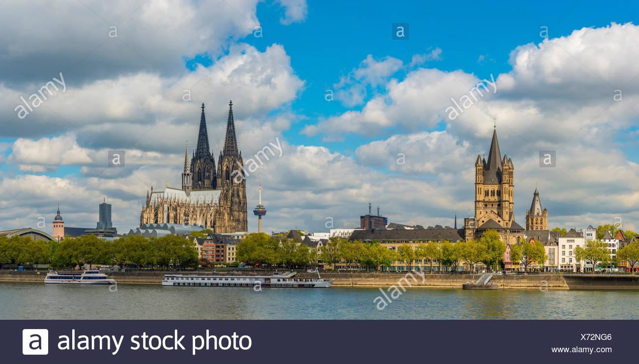 Rathaus, Gross St. Martin, Colonius Fernsehturm, Koelner Dom, Altstadtufer, Rhein, Koeln, Rheinland, Nordrhein-Westfalen, Deutschland, Europa - Stock Image
