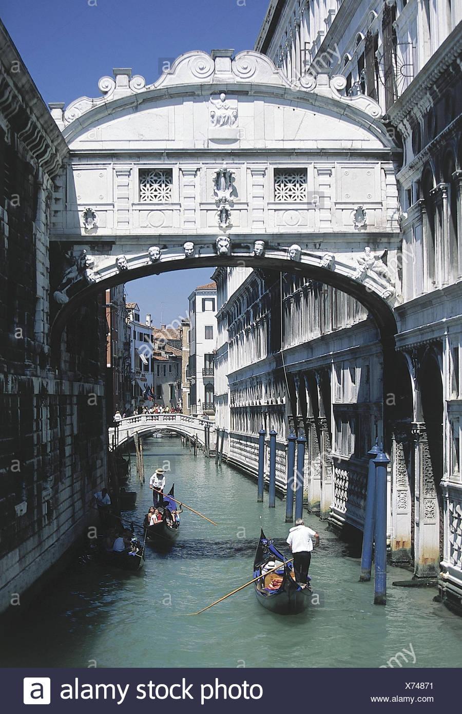 Italien, Venetien, Venedig, Seufzerbrücke   Lagunenstadt, Kanal, Wasserstraße, Überführung, Brücke, Ponte dei Sospiri, Bauwerk,  Sehenswürdigkeit, außen - Stock Image