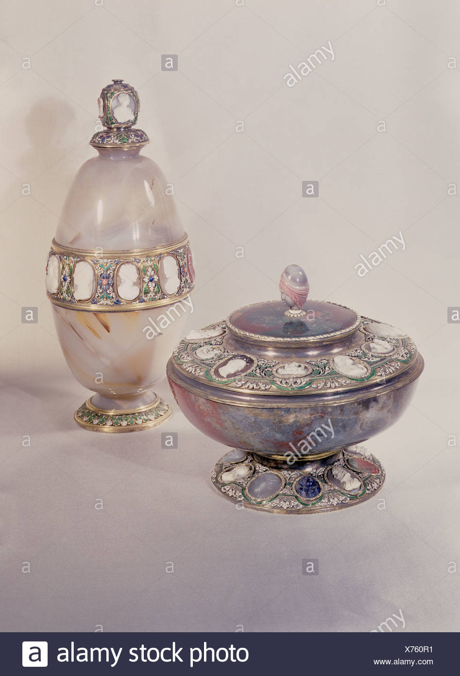 fine arts, centre piece, covered cup, bowl, silver, gilded, cameos, 16th century / 17th century, jasper, chalcedony, height of bowl: 12.5 cm, height of cup: 23 cm, Prado, Madrid, Artist's Copyright has not to be cleared - Stock Image