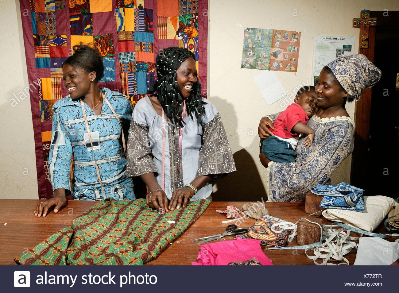 Tailors, seamstresses of an HIV help group, Bafut, Cameroun, Africa - Stock Image