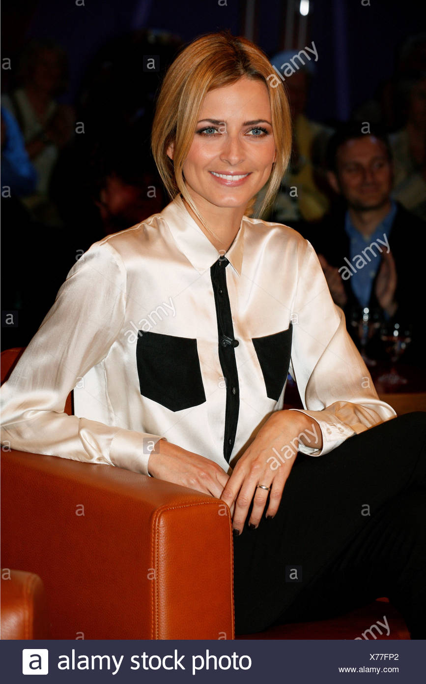 Padberg, Eva, * 27.1.1980, German model and mannequin, portrait, guest in the German telecast 'NDR Talk Show', Hamburg, Germany, 7.10.2011, Additional-Rights-Clearances-NA - Stock Image