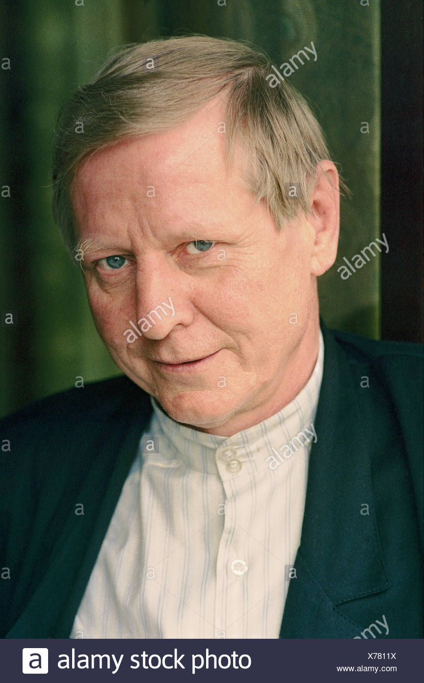 Enzensberger, Hans Magnus, * 11.11.1929, German author / writer, portrait, 1989, Additional-Rights-Clearances-NA - Stock Image