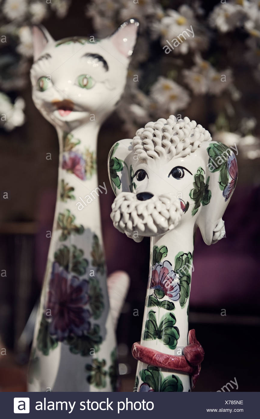 Two porcelain figures - Stock Image