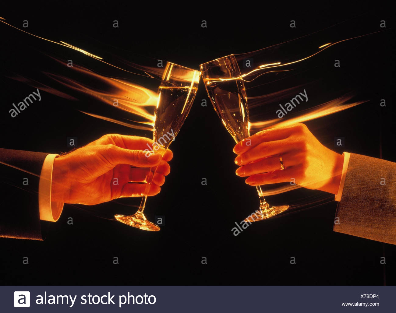 Business transaction, business people, couple, detail, hands, glasses, Sparkling Wine, kick off, [M], studio, inside, outside, man, woman, drink, champagne glasses, Cheers, celebrate, hand, glass, champagne, prosten - Stock Image