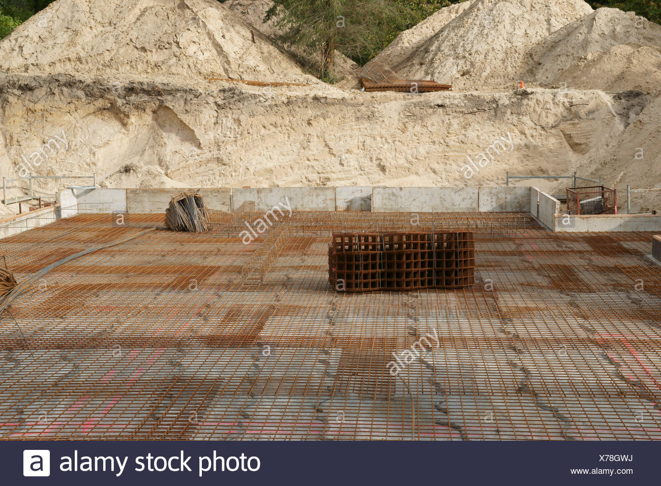 plate, house-build, reinforced concrete, baugrube, eigenheimbau, - Stock Image
