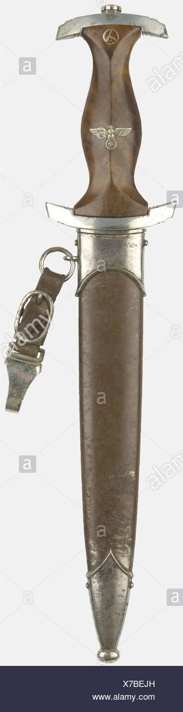 DIVERS FORMATIONS, Dague SA modèle troupe, complète avec sa bélière cuir marquée RZM M 7/12, , Additional-Rights-Clearances-NA - Stock Image