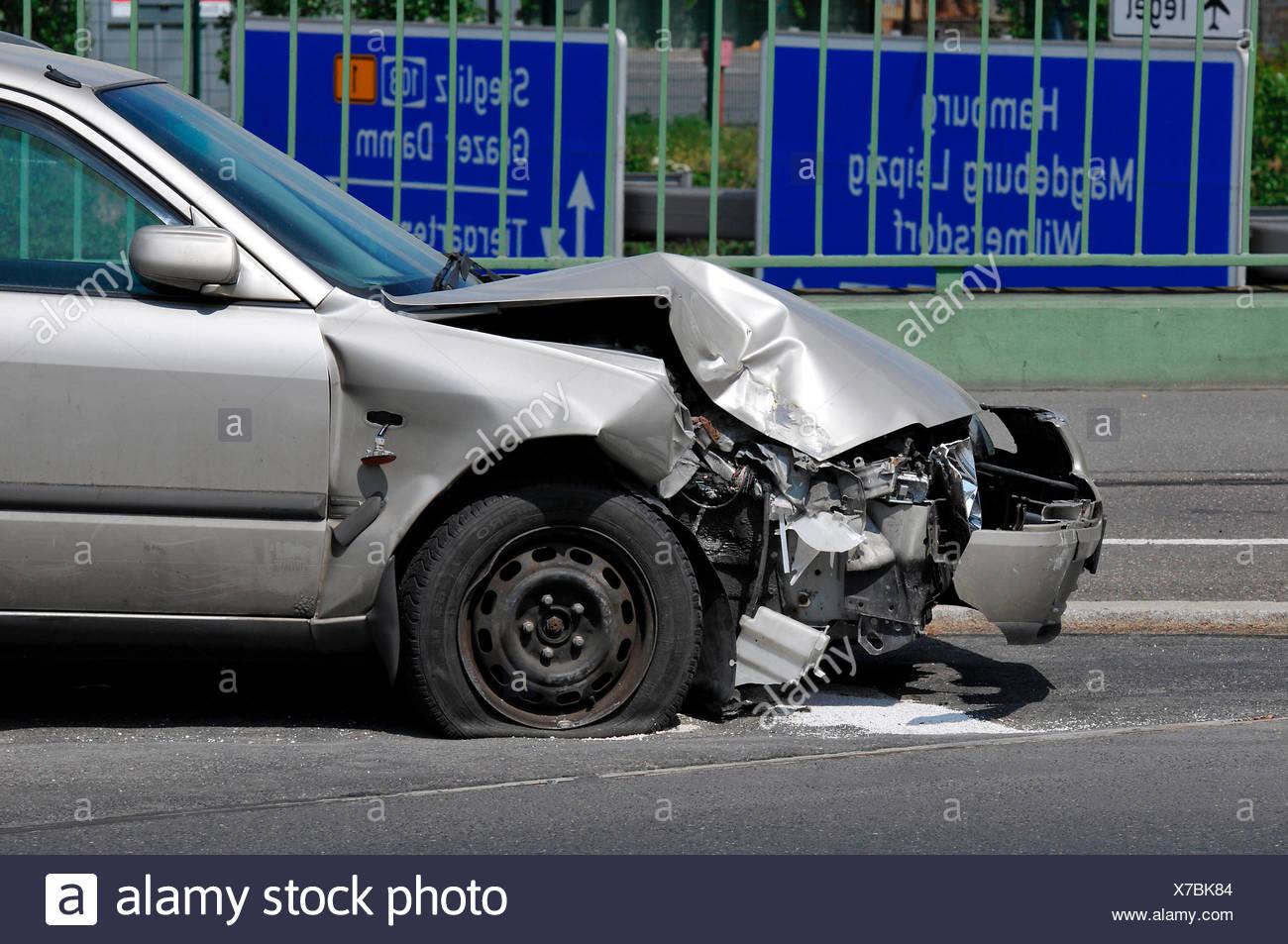 Autounfall Stock Photos & Autounfall Stock Images - Alamy